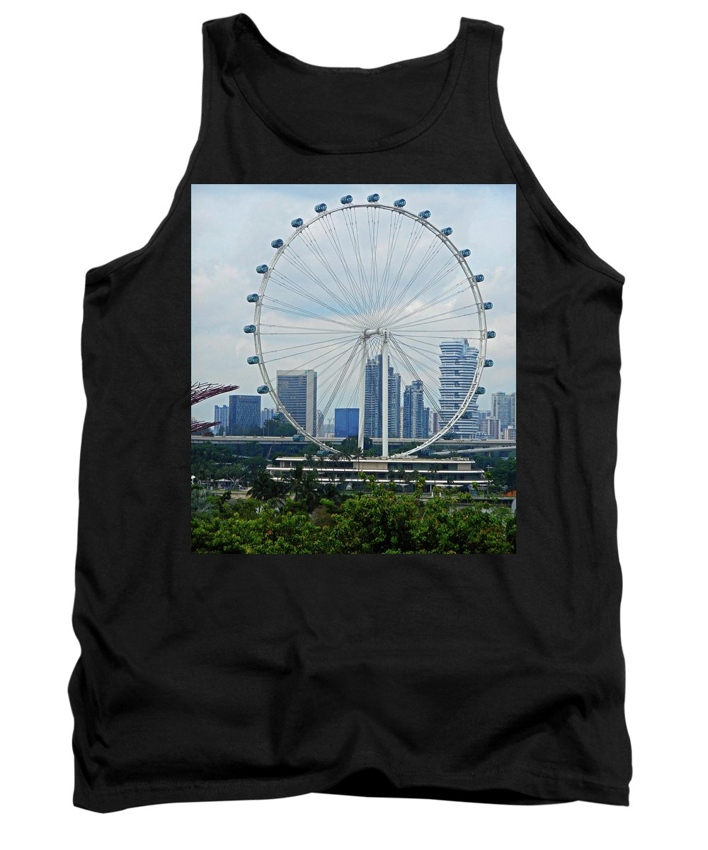 Singapore Tank Top featuring the photograph The Ferris Wheel 6 by Ron Kandt