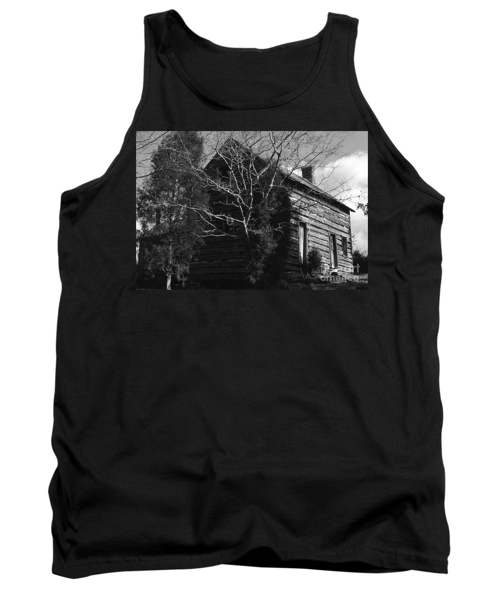 Cabins Tank Top featuring the photograph The Homestead by Richard Rizzo