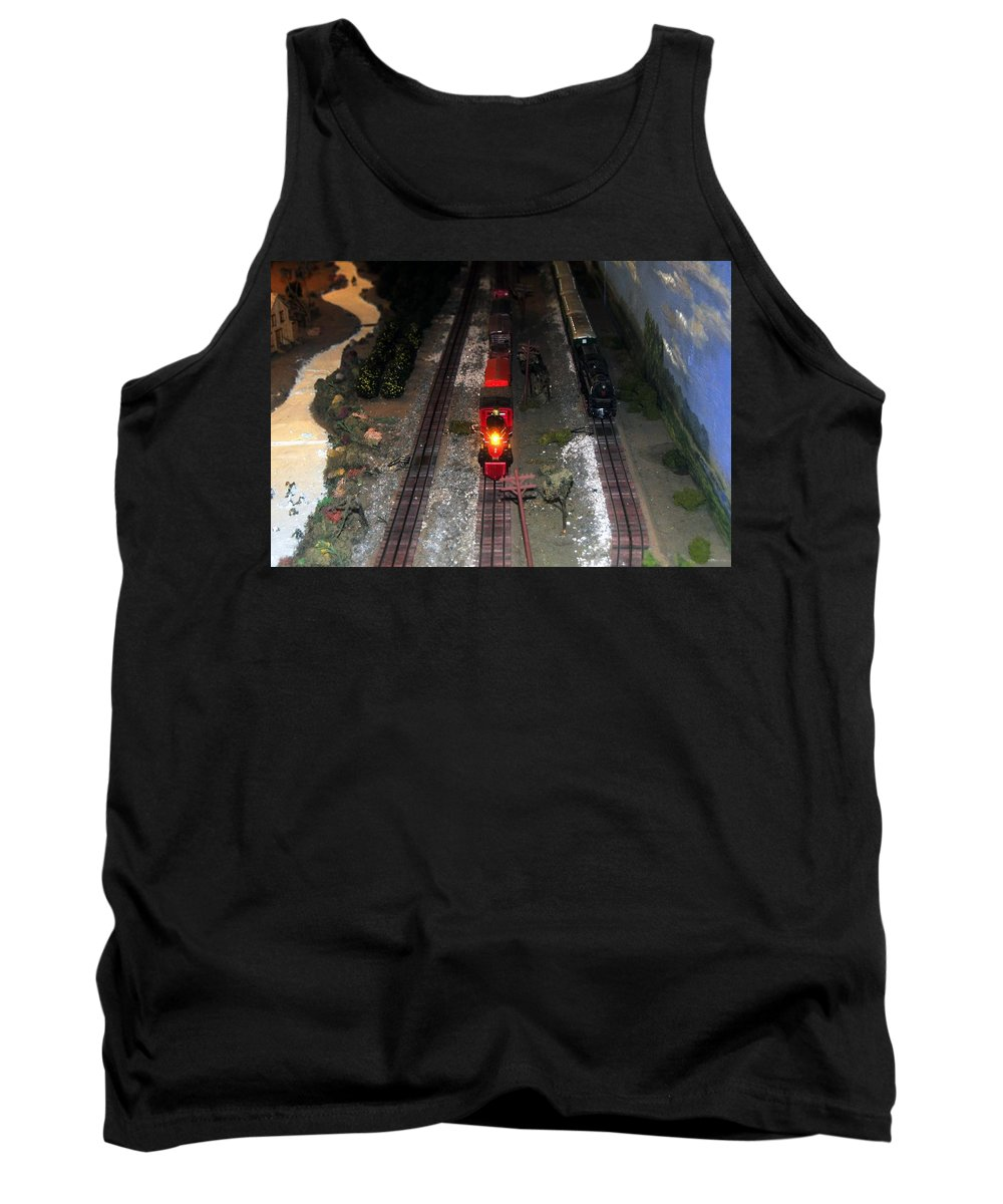 Train Tank Top featuring the photograph Train Set by David Lee Thompson