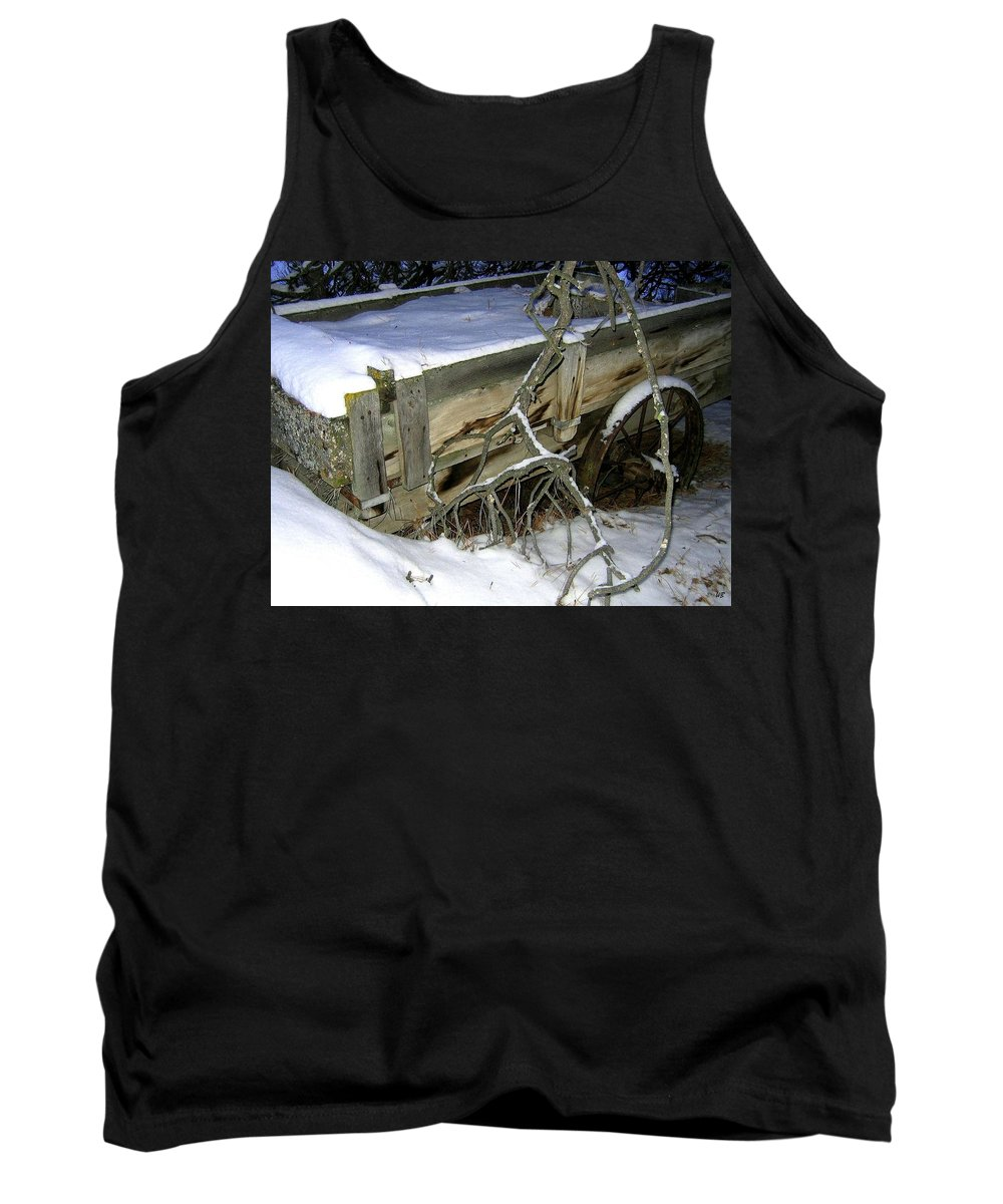 Farm Wagon Tank Top featuring the photograph Vintage Farm Wagon by Will Borden