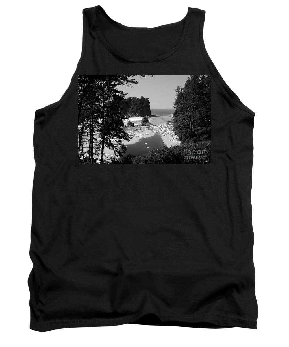 Cove Tank Top featuring the photograph Wild Cove by David Lee Thompson