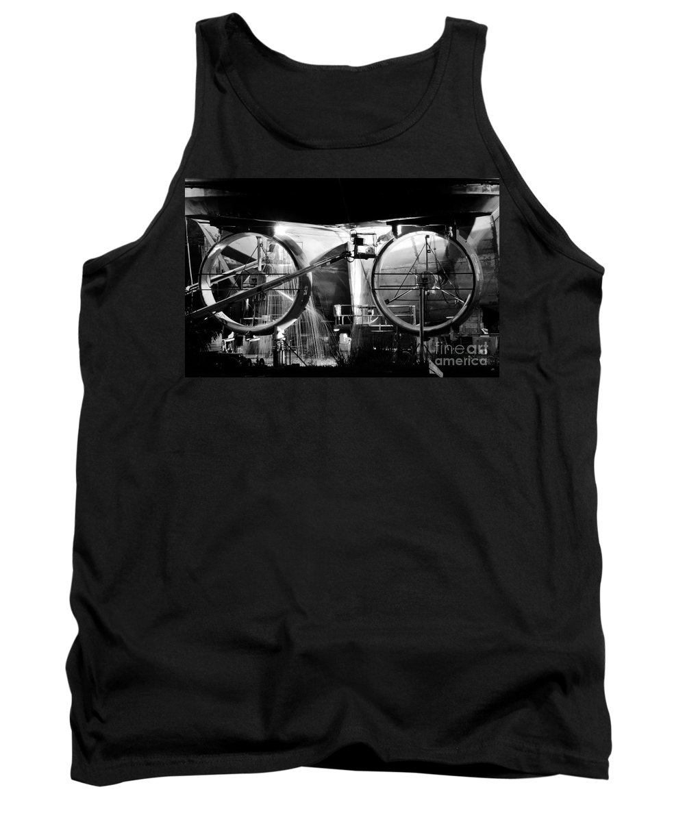 Work Tank Top featuring the photograph Working Men by David Lee Thompson