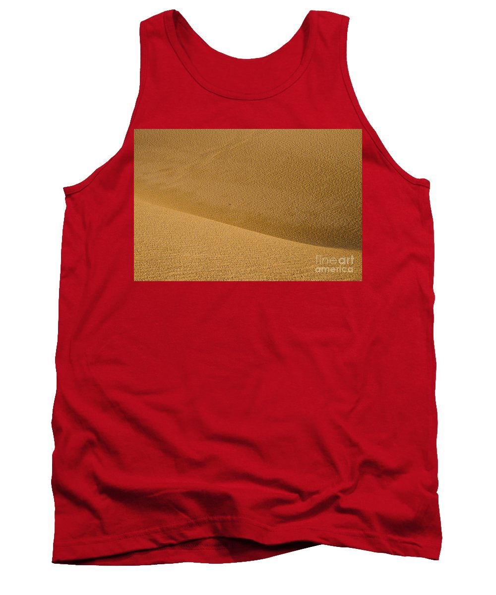 Monahans Sand Dunes State Park Texas Parks Desert Deserts Color Dune Desertscape Desertscapes Landscape Landscapes Nature Texture Textures Tank Top featuring the photograph Sand Curves by Bob Phillips