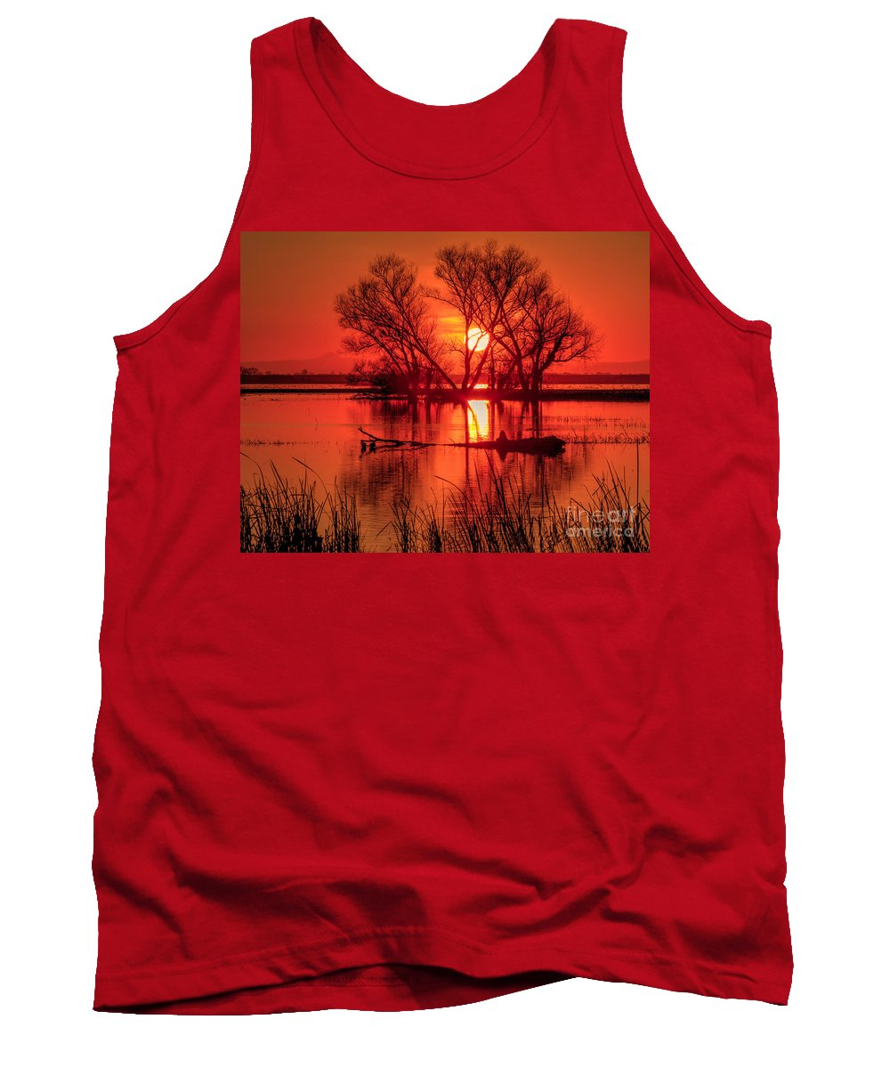 Merced National Wildlife Refuge Tank Top featuring the photograph Setting Sun by Beth Sargent