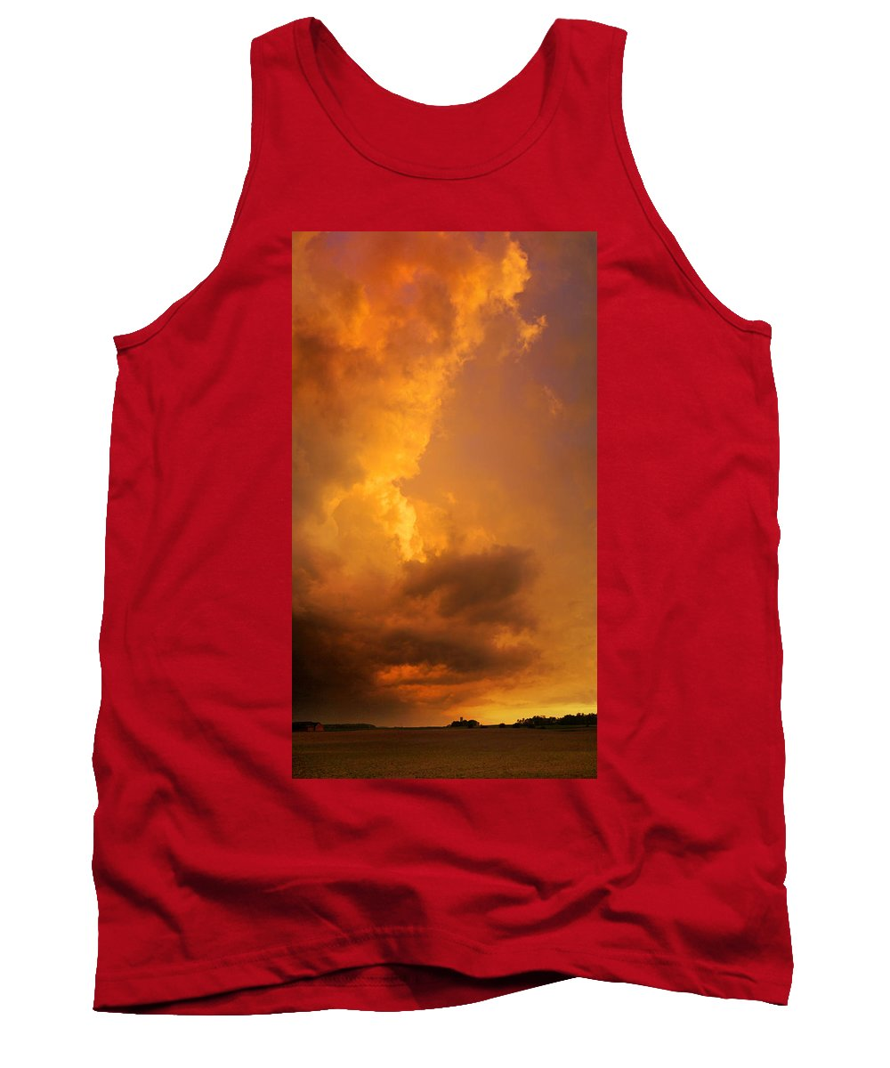 Wisconsin Tank Top featuring the photograph Sky High Intensity by Bill Pevlor