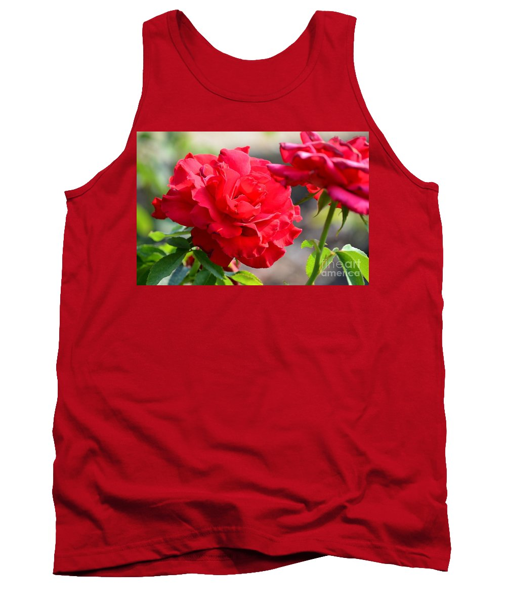 Roses Tank Top featuring the photograph Rosas Roja by Maria Urso