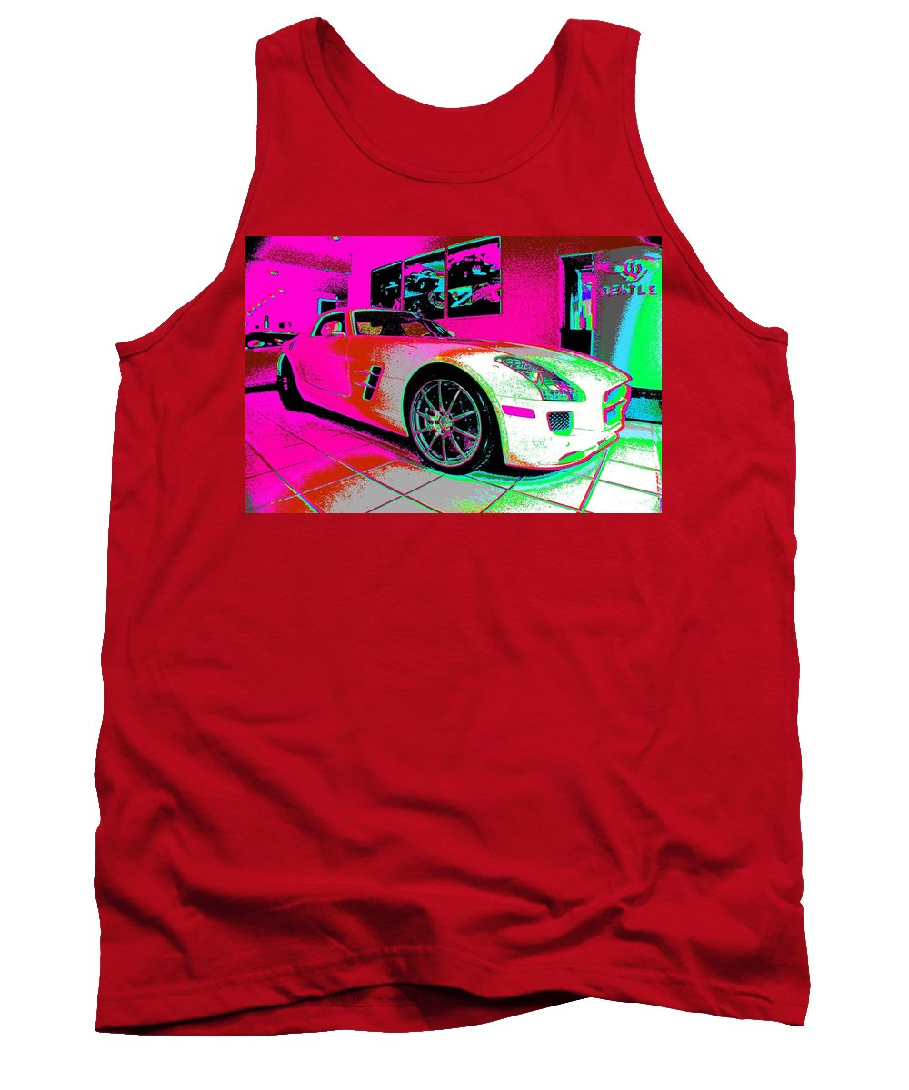 Rogerio Mariani Manhattan Tank Top featuring the photograph Who Is Who by Rogerio Mariani