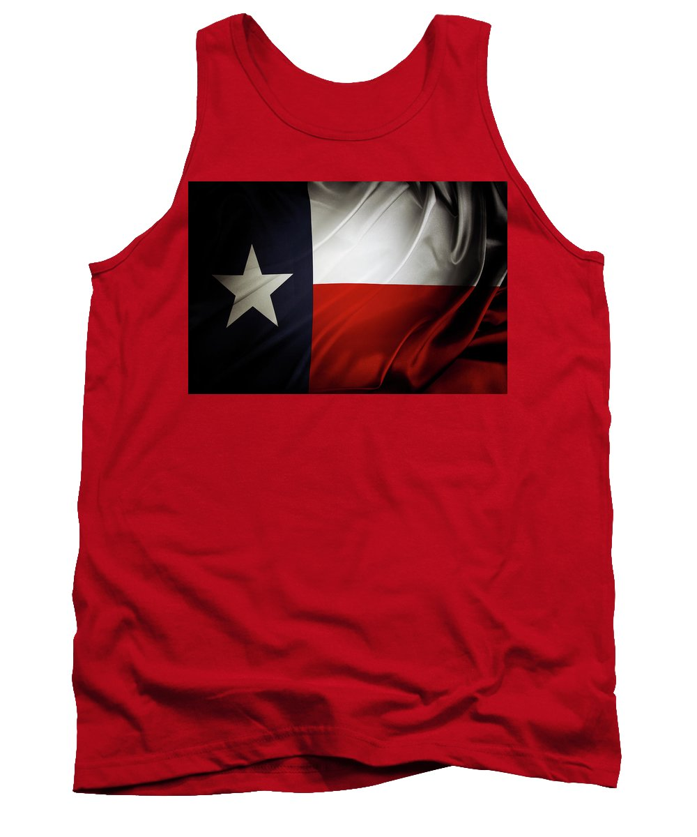 Flag Tank Top featuring the photograph Texas Flag by Les Cunliffe
