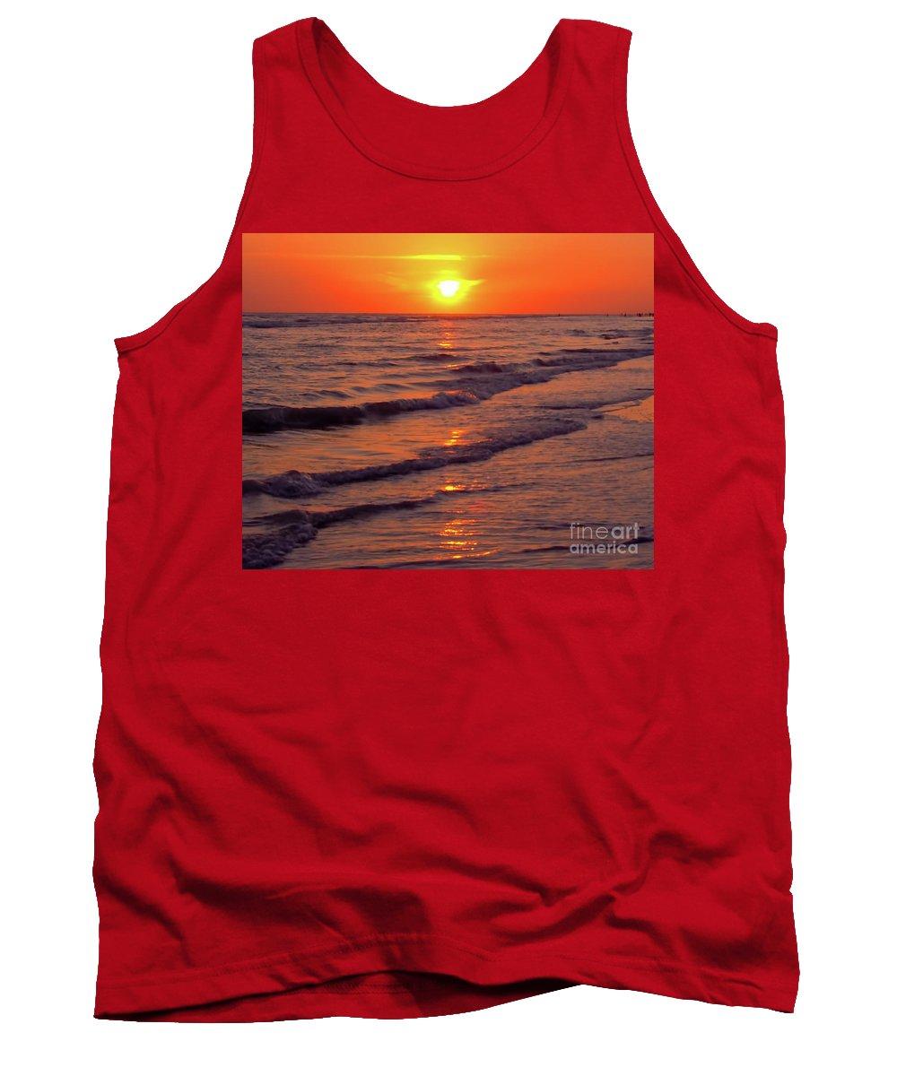 Sunset Tank Top featuring the photograph Beautiful Sanibel Sunset by D Hackett
