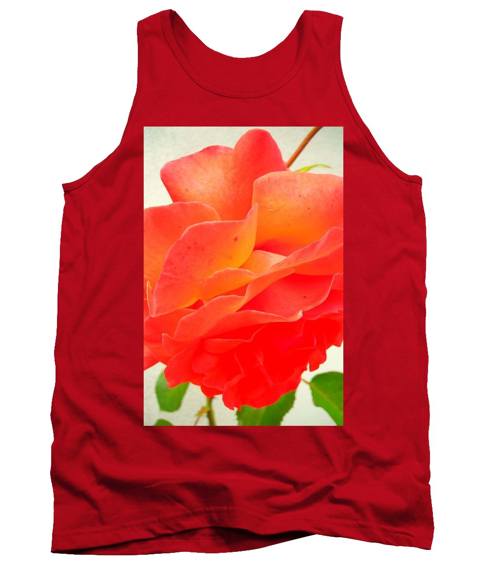 Flower Tank Top featuring the photograph Friendship by Juergen Weiss