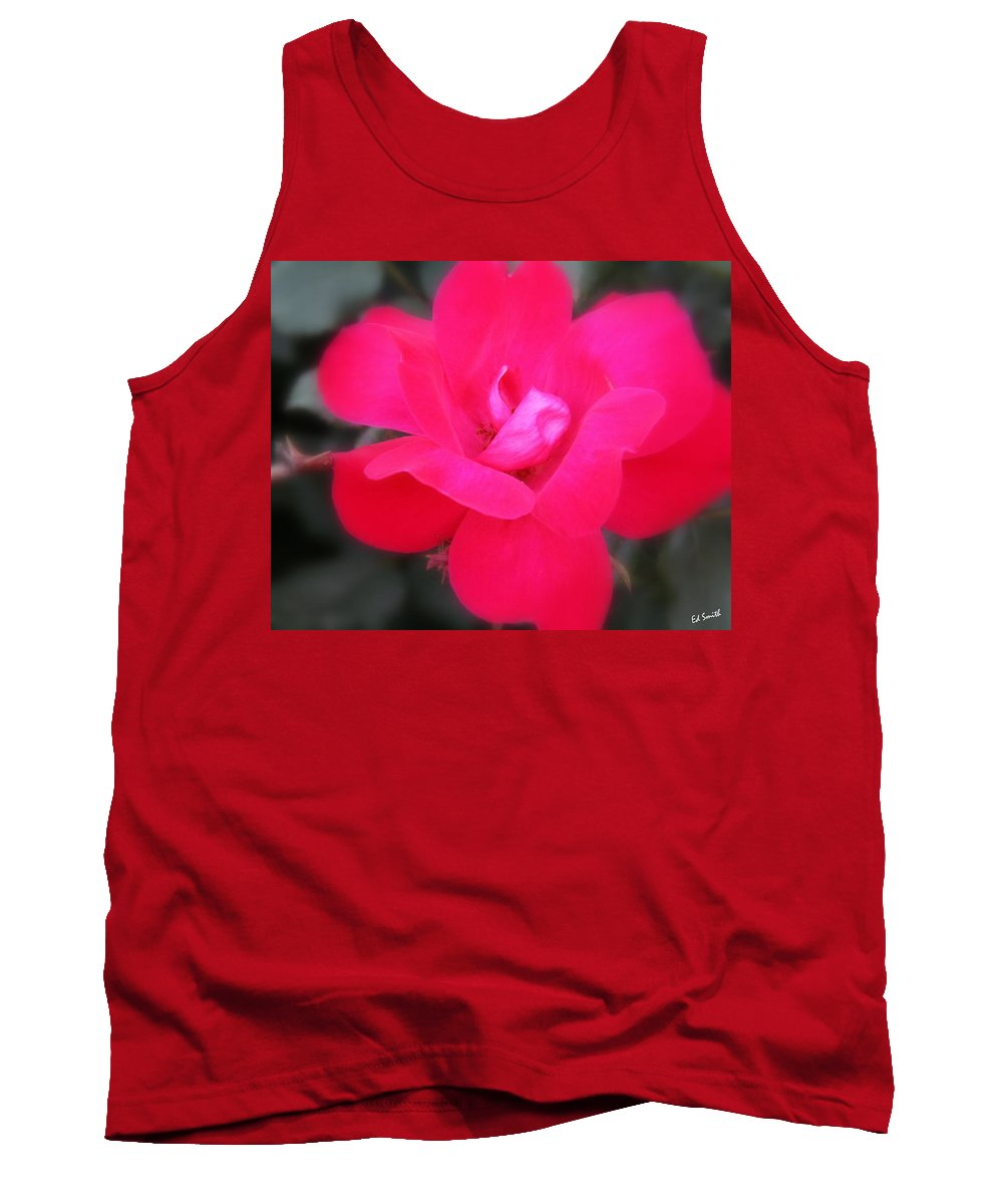 Rosa Roja Tank Top featuring the photograph Rosa Roja by Ed Smith