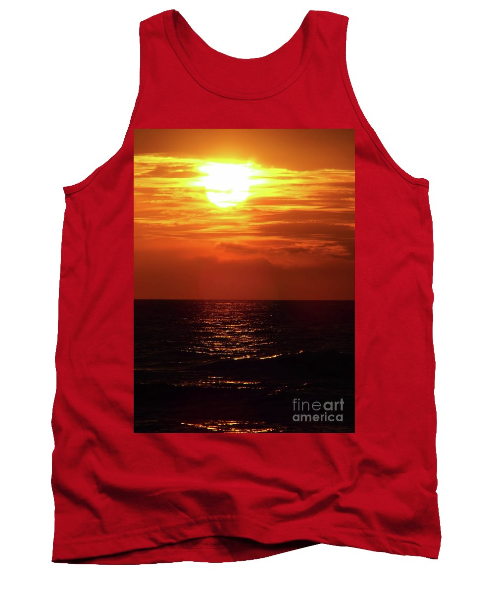 Sunset Tank Top featuring the photograph Sun Setting by D Hackett