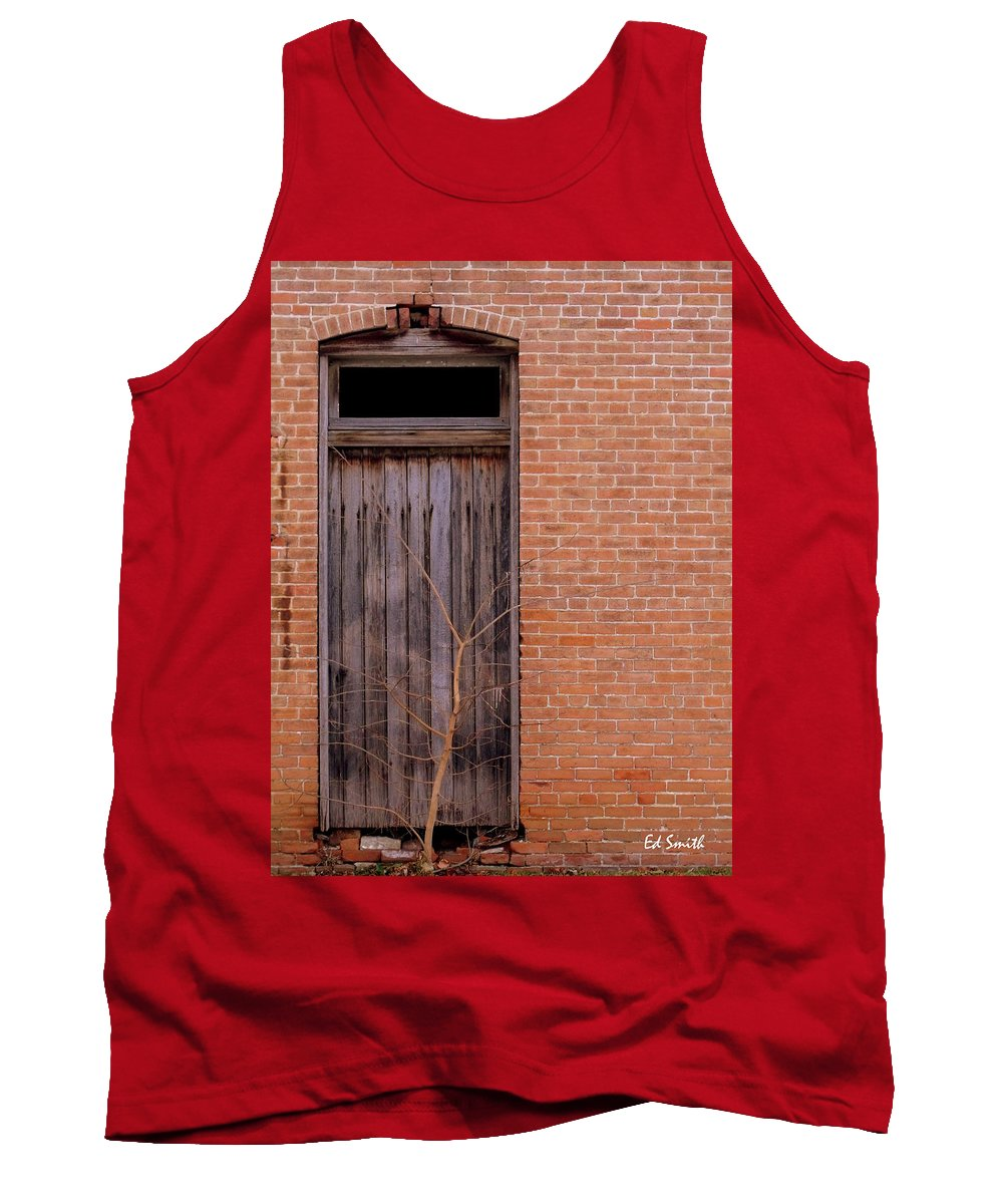 Use Side Entrance Tank Top featuring the photograph Use Side Entrance by Ed Smith