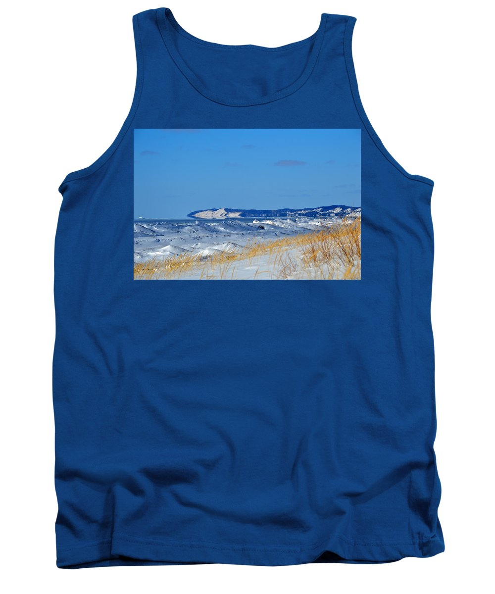Frankfort Tank Top featuring the photograph Building Ice by Linda Kerkau