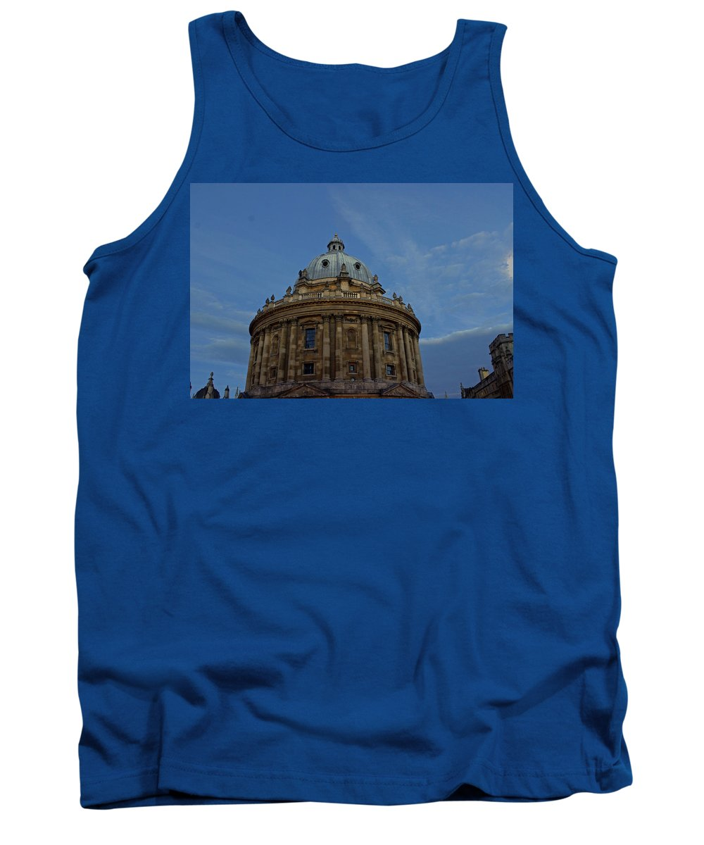 Oxford Tank Top featuring the photograph The Radcliffe Camera by Tony Murtagh