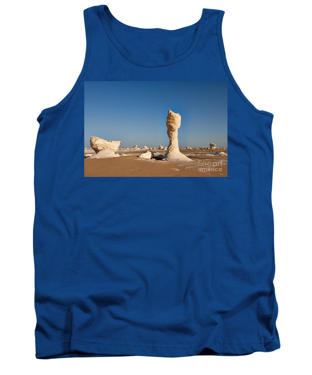 Fotografie Tank Top featuring the photograph Egytians White Desert by Juergen Ritterbach