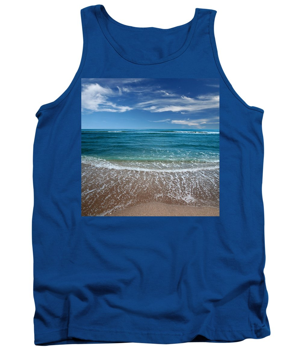 Air Tank Top featuring the photograph Air And Water No.88 by Marc Ward