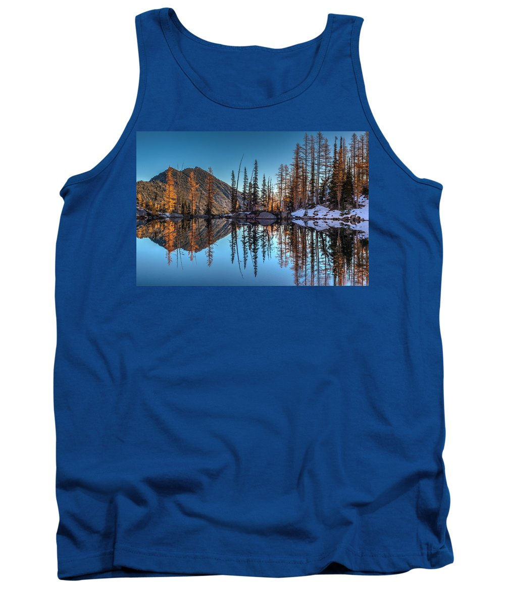 Fall Colors Tank Top featuring the photograph Falls Last Colors by Mike Reid