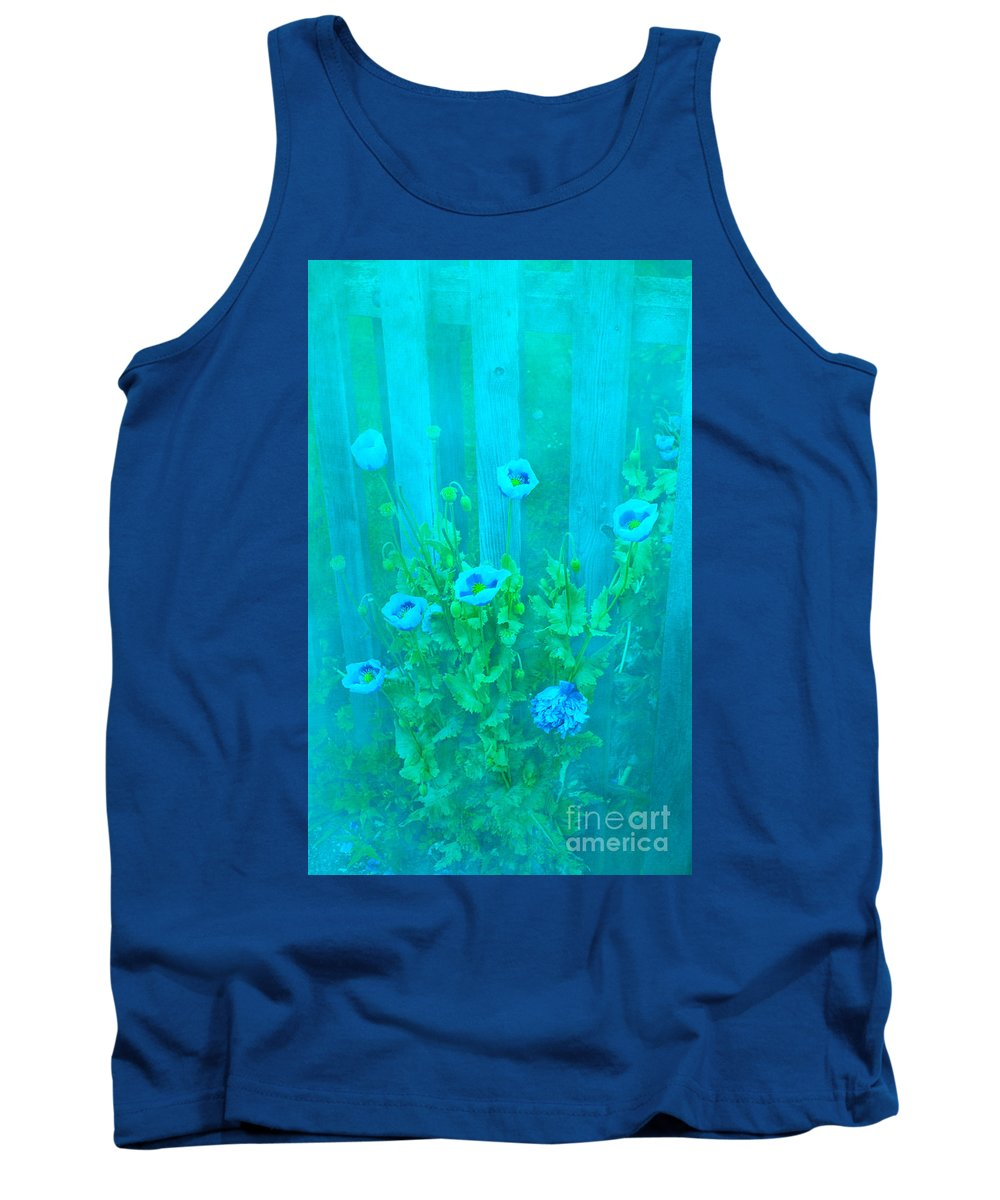 Poppy Tank Top featuring the photograph Papaver Orientale 4 by Linsey Williams