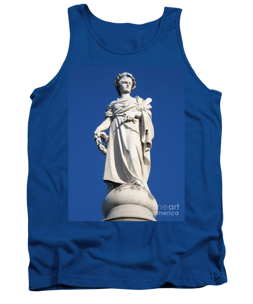 Soliders Tank Top featuring the photograph Statue Gettysburg by Eric Schiabor