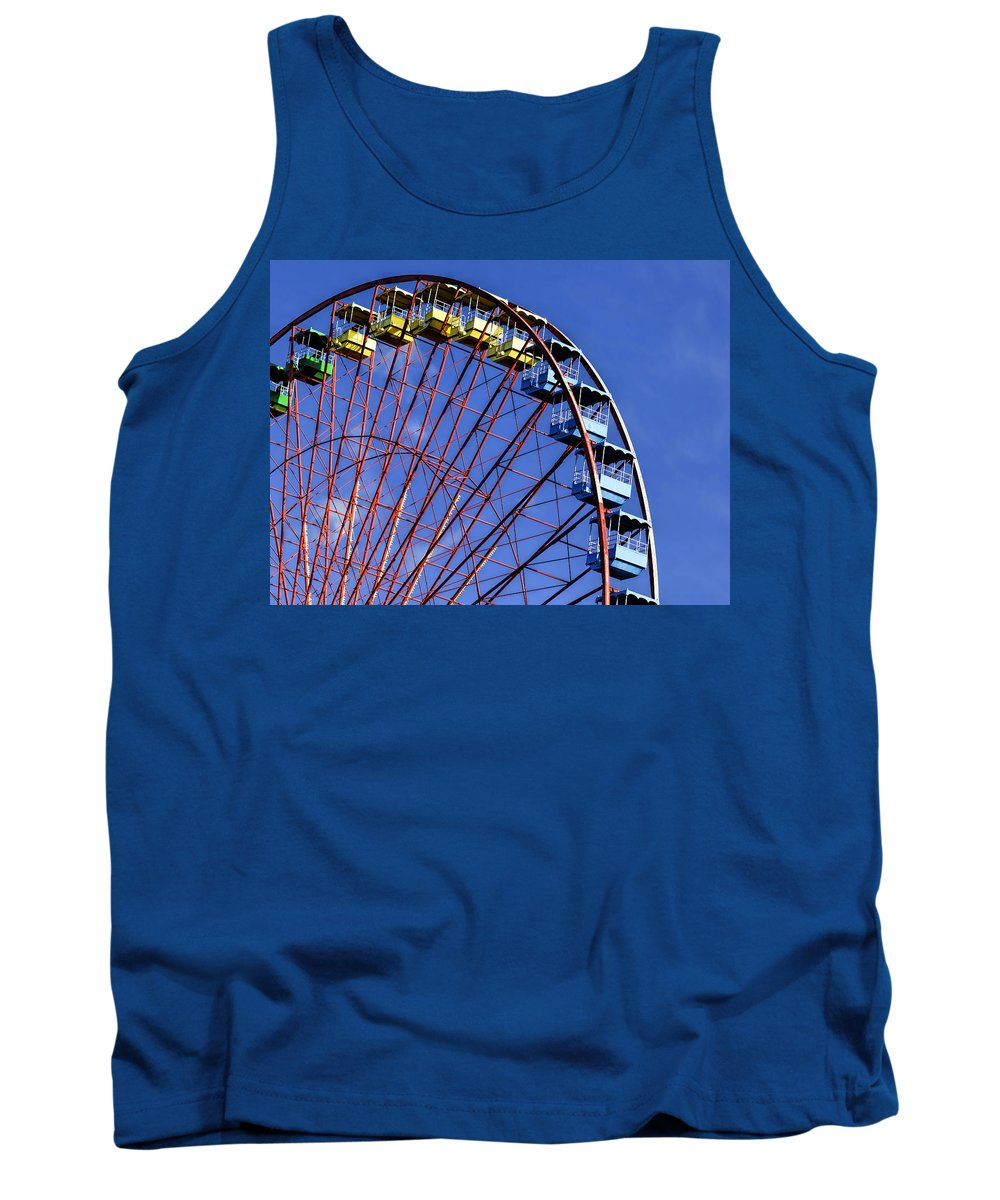 Ferris Wheel Tank Top featuring the photograph The Roaring Silence by Dominic Piperata