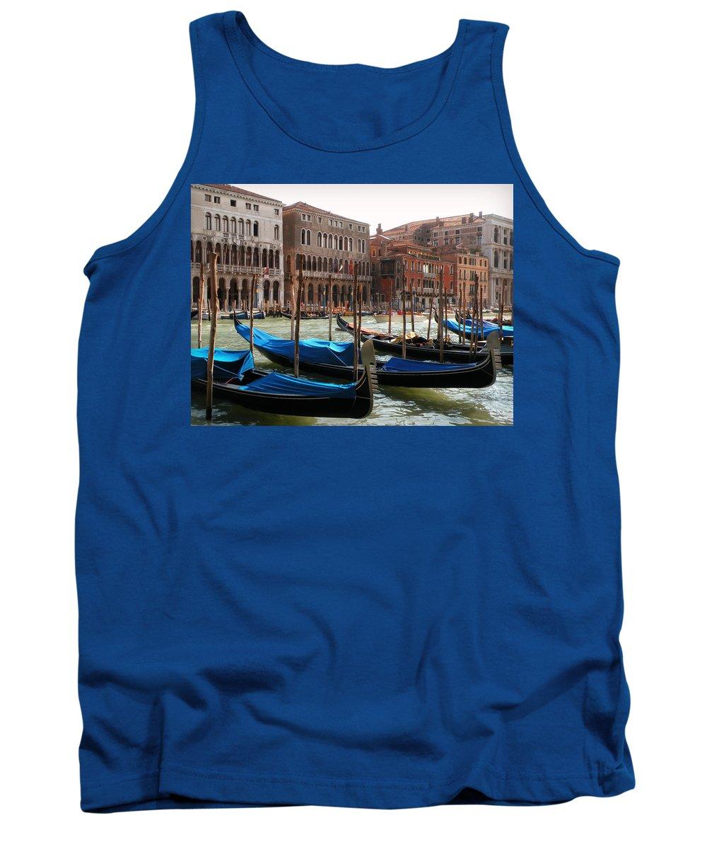 Veneziano Trasporto Tank Top featuring the photograph Veneziano Trasporto by Micki Findlay