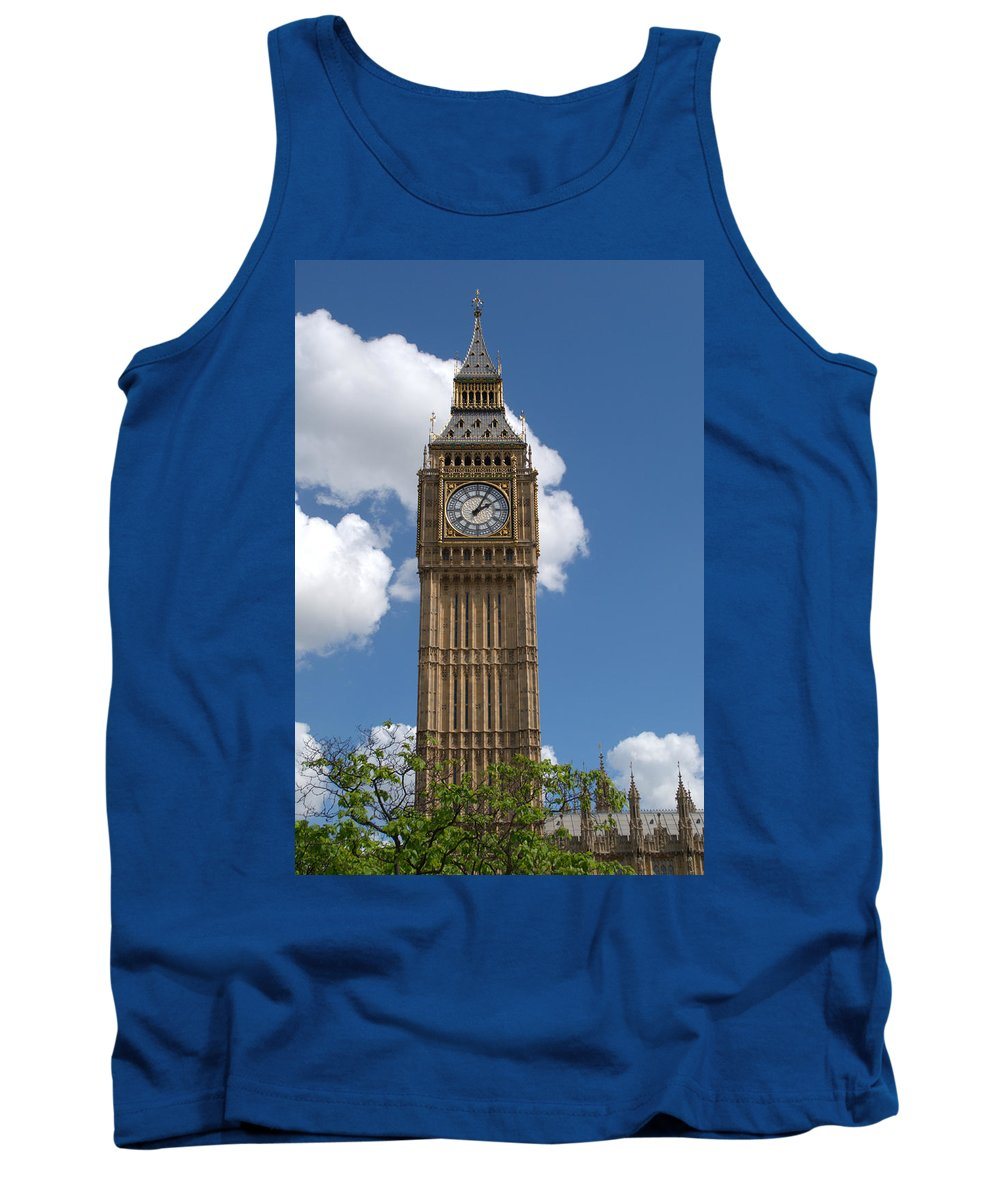Big Ben Tank Top featuring the photograph Palace Of Westminster by Chris Day