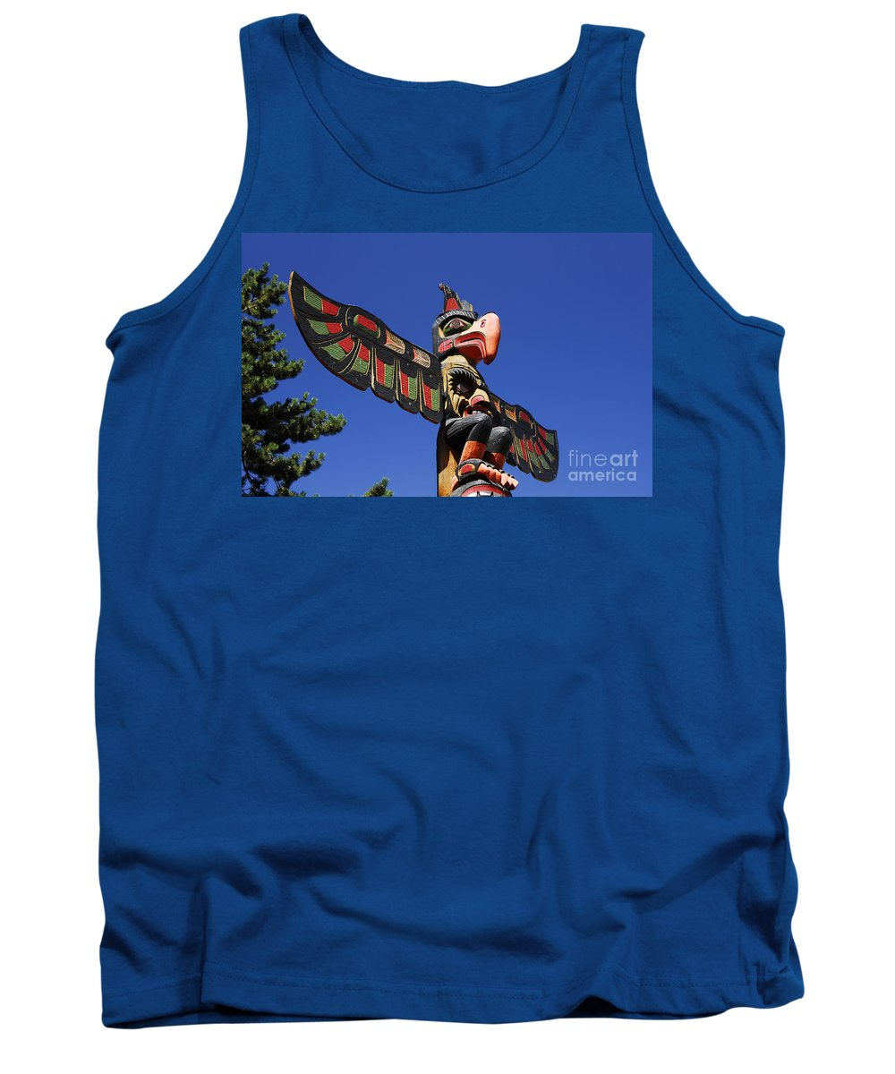 Totem Pole Tank Top featuring the photograph Blue Sky Totem by David Lee Thompson