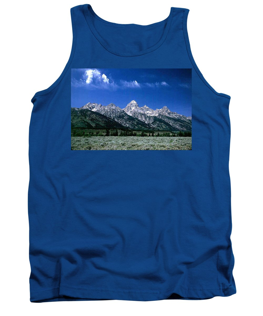 Mountains Tank Top featuring the photograph First View of Tetons by Kathy McClure