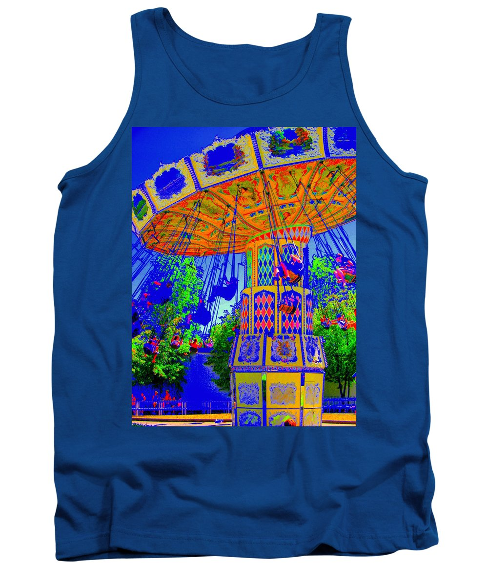 Flying High Tank Top featuring the photograph Flying High by Ed Smith