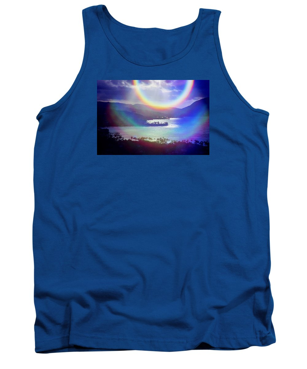 Maunalua Bay Tank Top featuring the photograph Gods Eye by Kevin Smith
