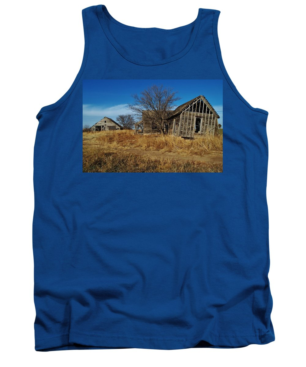Kansas Tank Top featuring the photograph Kansas Farmhouse And Barn by Greg Rud