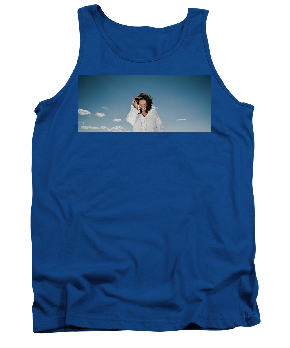 Woman Tank Top featuring the photograph Laughing Sky by Scott Sawyer
