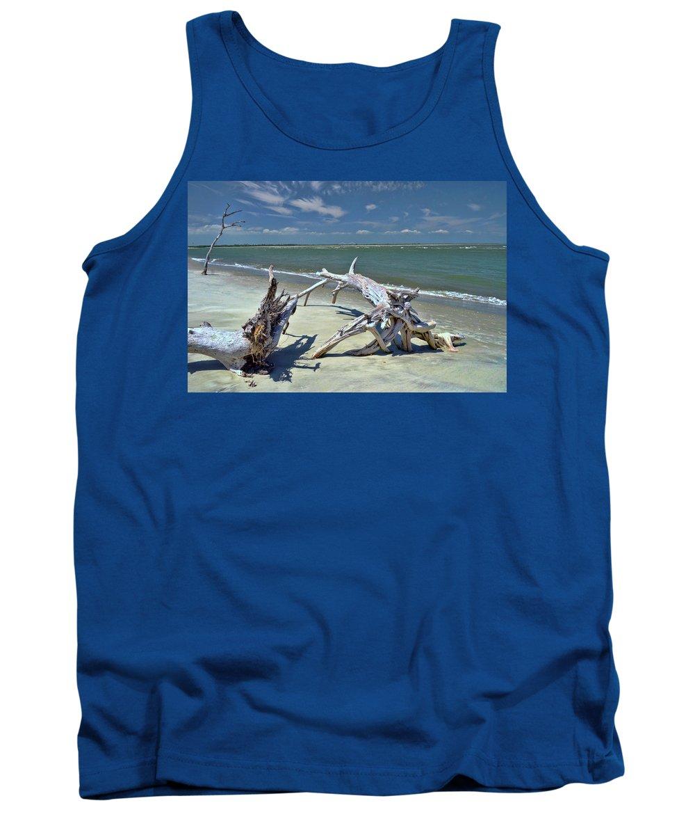 Morris Island Lighthouse Tank Top featuring the photograph Morris Island Driftwood by Allen Beatty