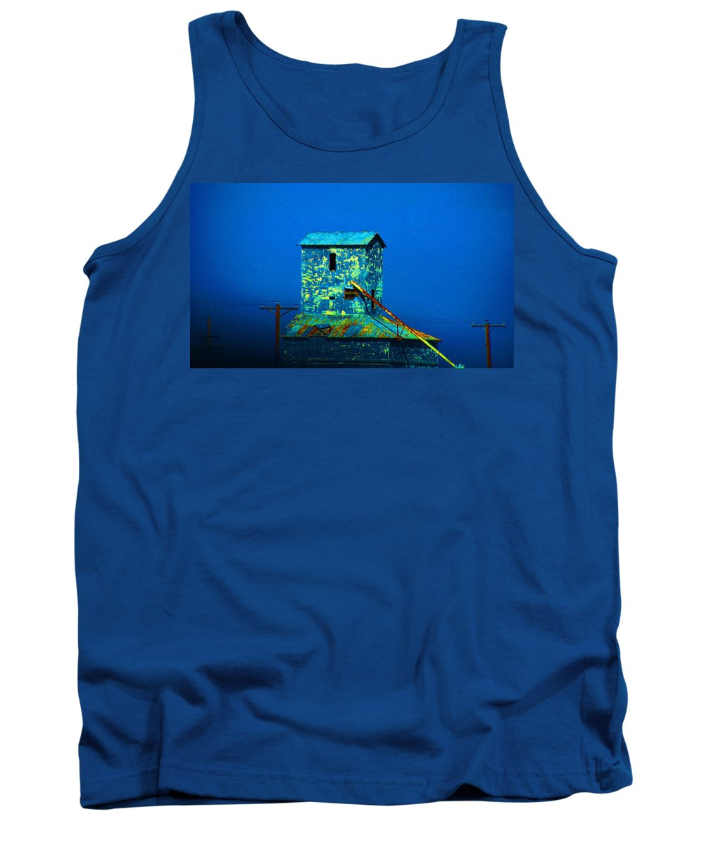 Mill Tank Top featuring the photograph Old Texas Mill by Susanne Van Hulst