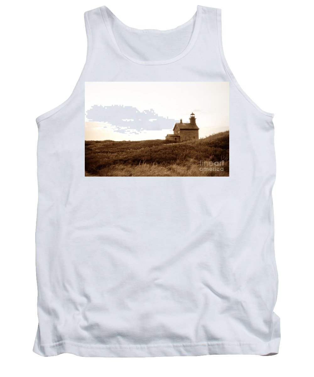 Lighthouses Tank Top featuring the photograph Block Island North Lighthouse by Skip Willits