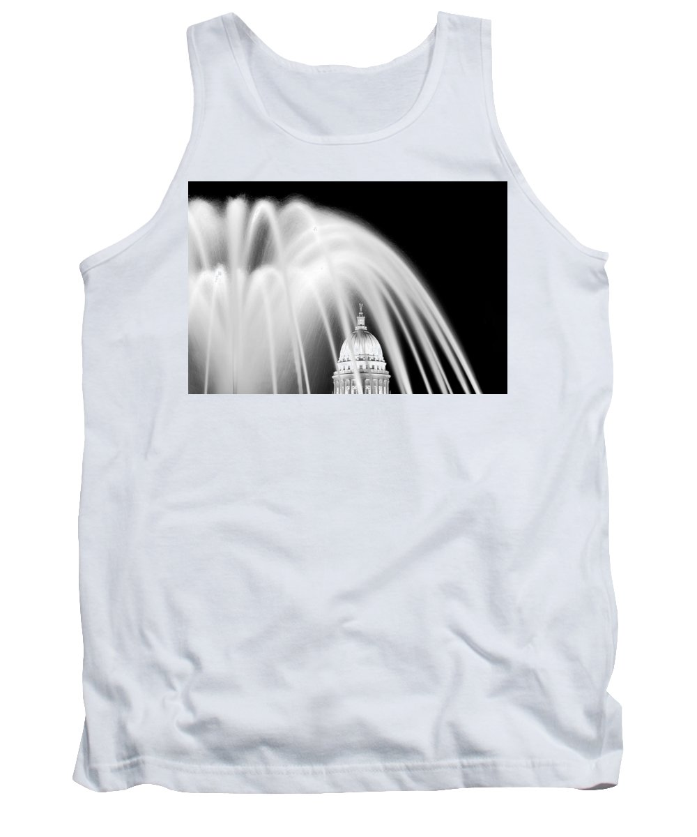 Capitol Tank Top featuring the photograph Capitol Fountain by Todd Klassy