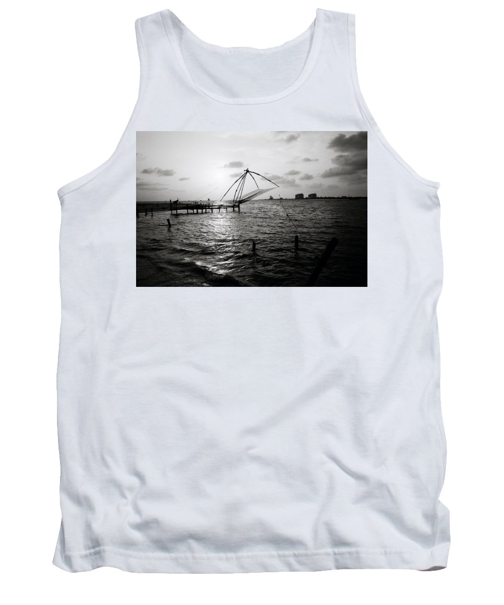 Seascape Tank Top featuring the photograph Dusk At Cochin by Shaun Higson