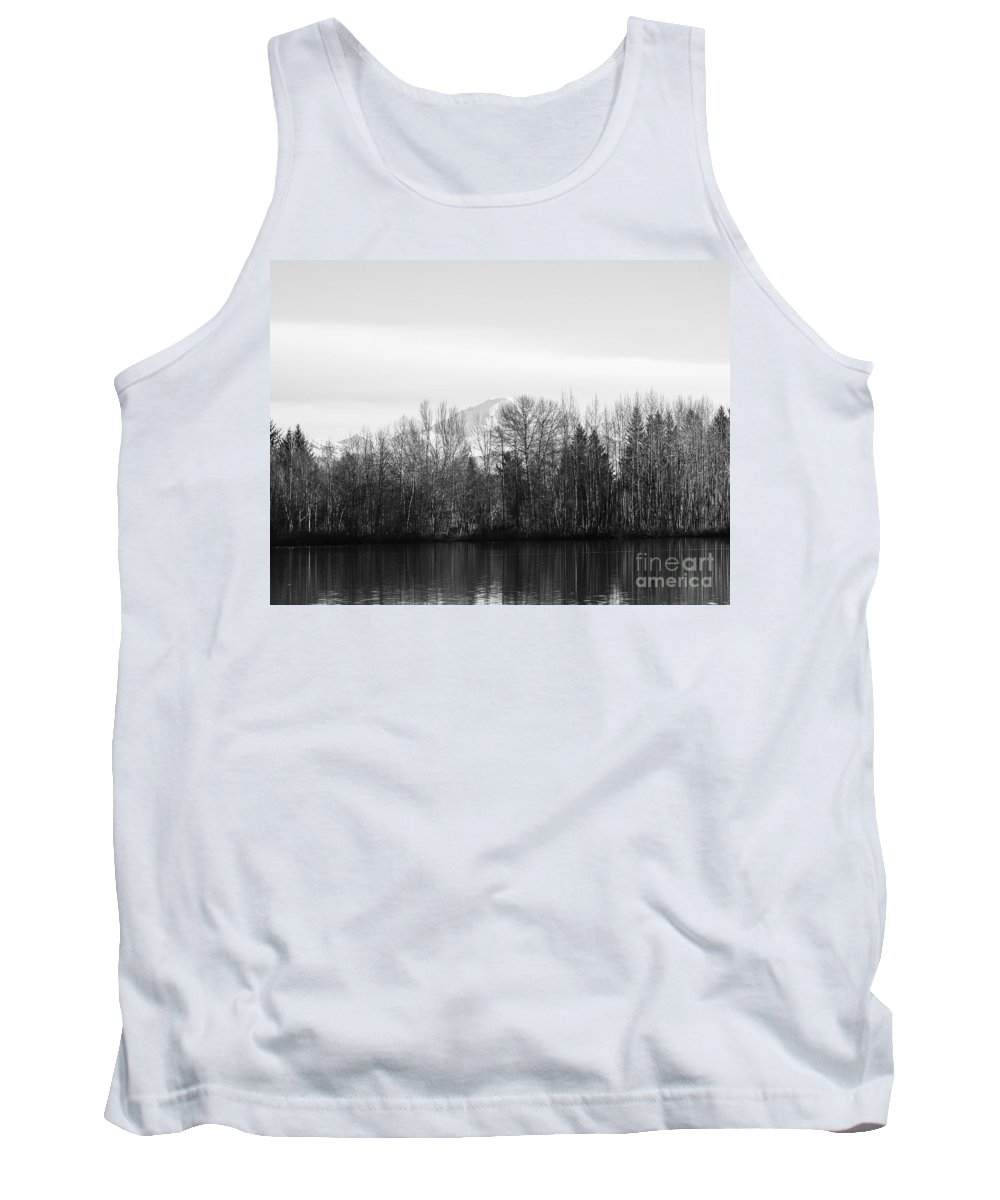 Black And White Tank Top featuring the photograph F2110928 by David Fabian
