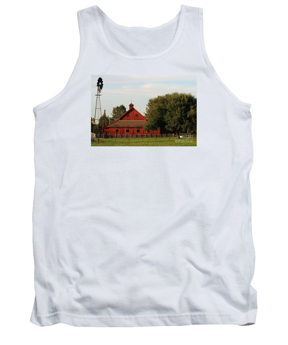 Agriculture Tank Top featuring the photograph Farm-3582 by Gary Gingrich Galleries