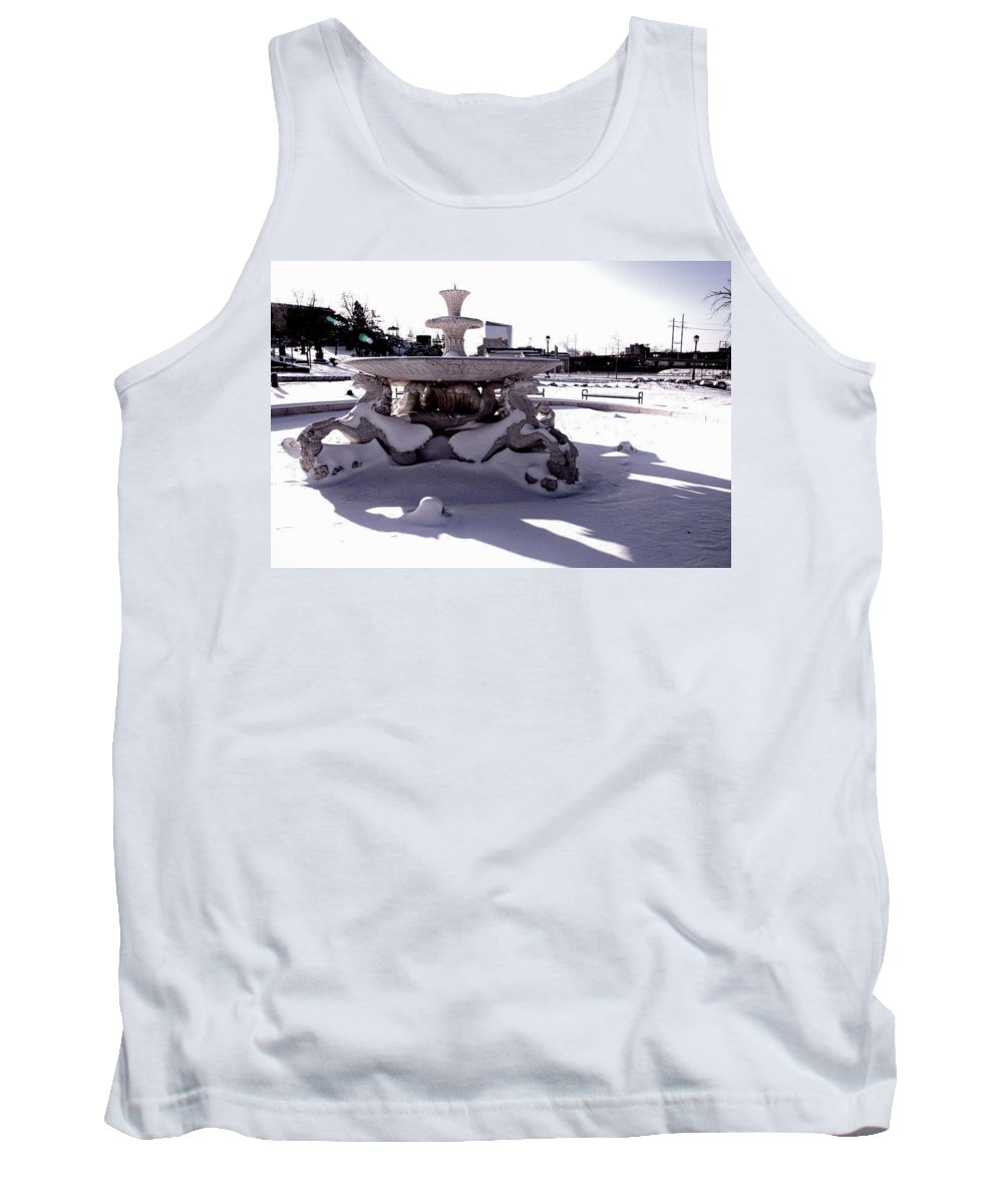 Philadelphia Tank Top featuring the photograph Fountain In The Snow by Alice Gipson