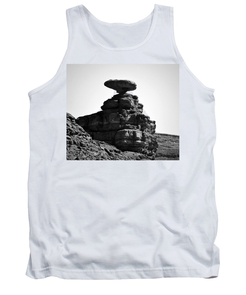 Mexican Hat Rock Utah Tank Top featuring the photograph Mexican Hat Rock by David Lee Thompson