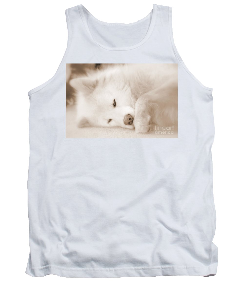 Samoyed Tank Top featuring the photograph Pawsome by Fiona Kennard