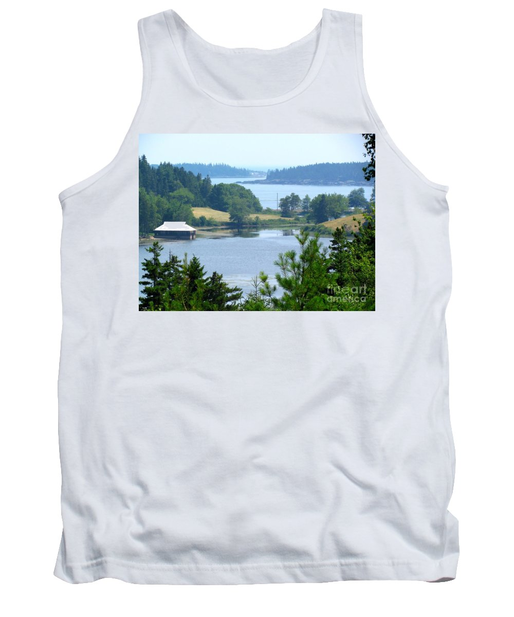 Seal Harbor Maine Tank Top featuring the photograph Seal Harbor Maine by Elizabeth Dow