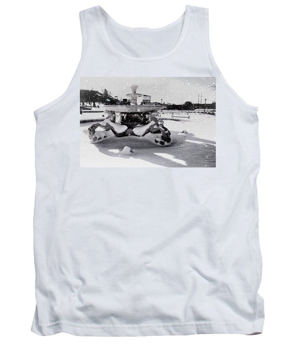 Horse Fountain Tank Top featuring the photograph Snow On The Fountain by Alice Gipson