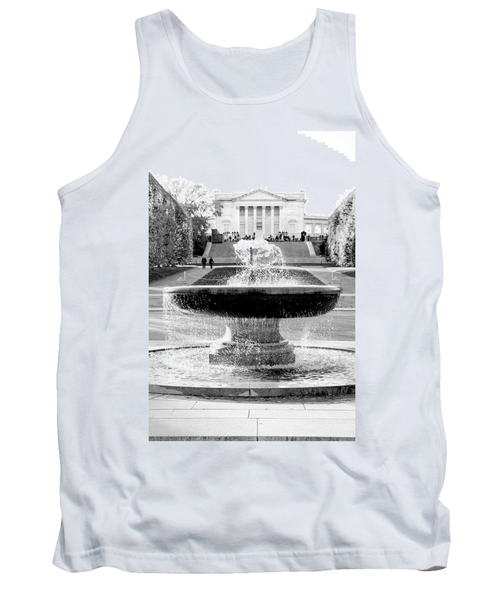 Arlington Cemetery Tank Top featuring the photograph Tomb Of The Unknown by Greg Fortier