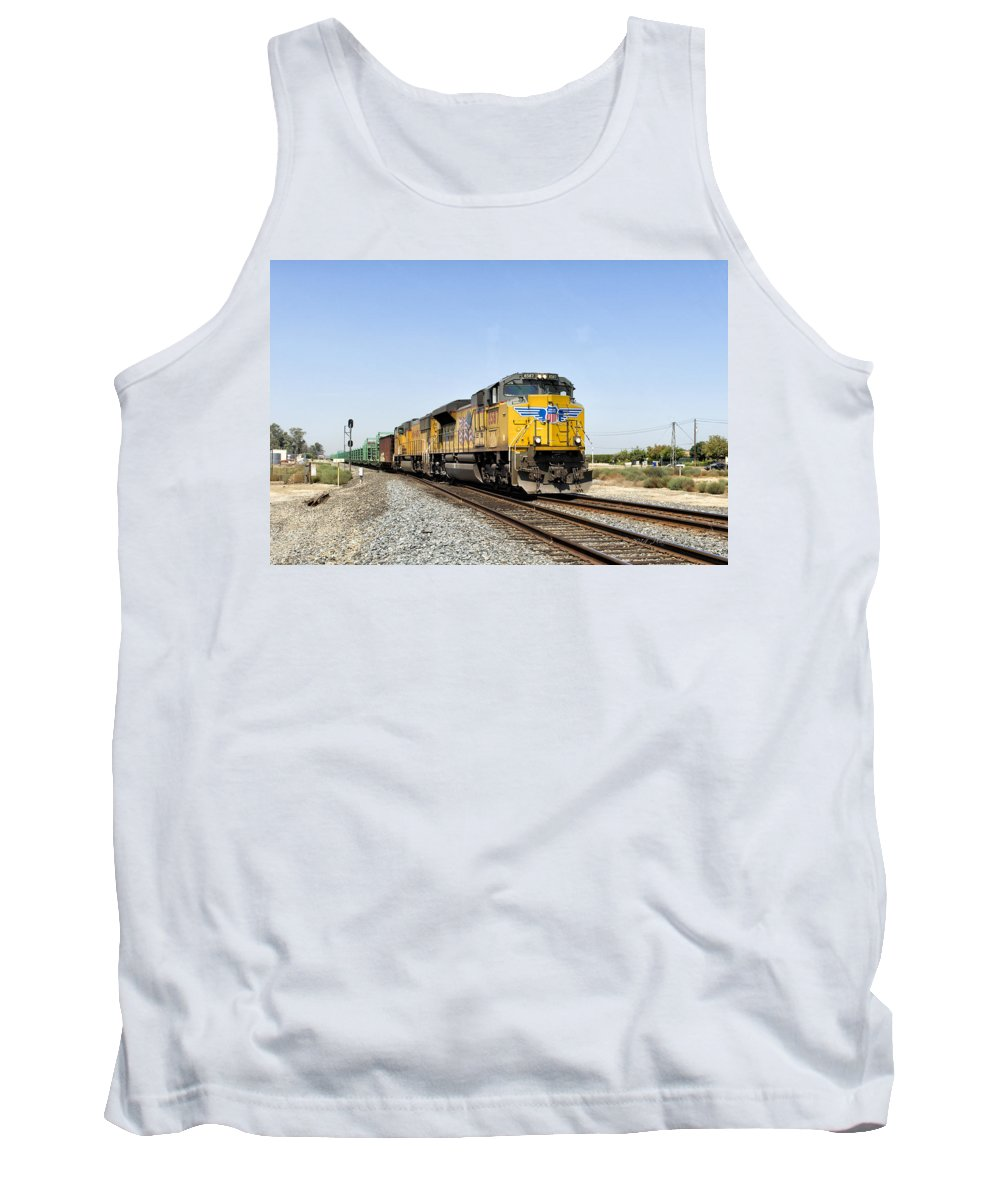 California Tank Top featuring the photograph Up 8587 Southbound From Traver by Jim Thompson