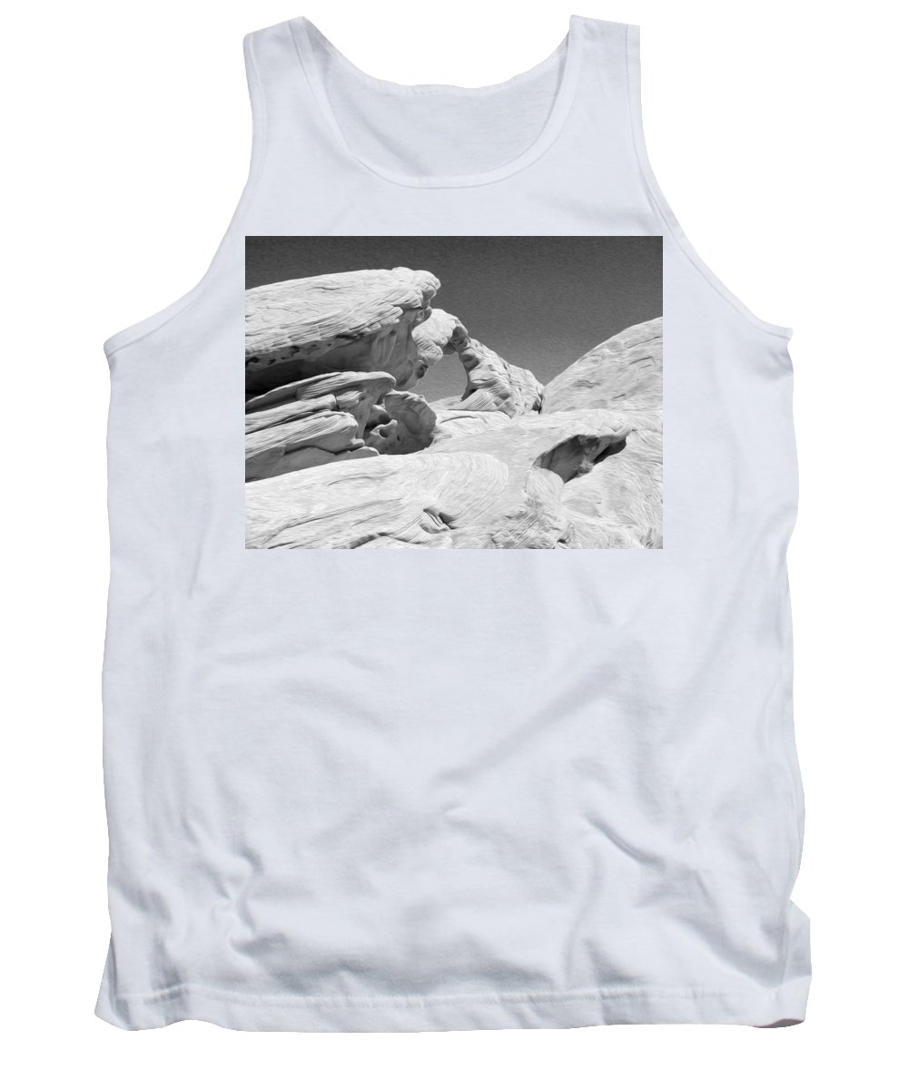 Arch At Valley Of Fire State Park Tank Top featuring the photograph Valley Of Fire by Tracy Winter