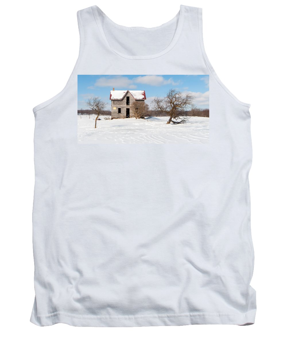 Winter Tank Top featuring the photograph Winter Abandoned Farmouse by Richard Kitchen