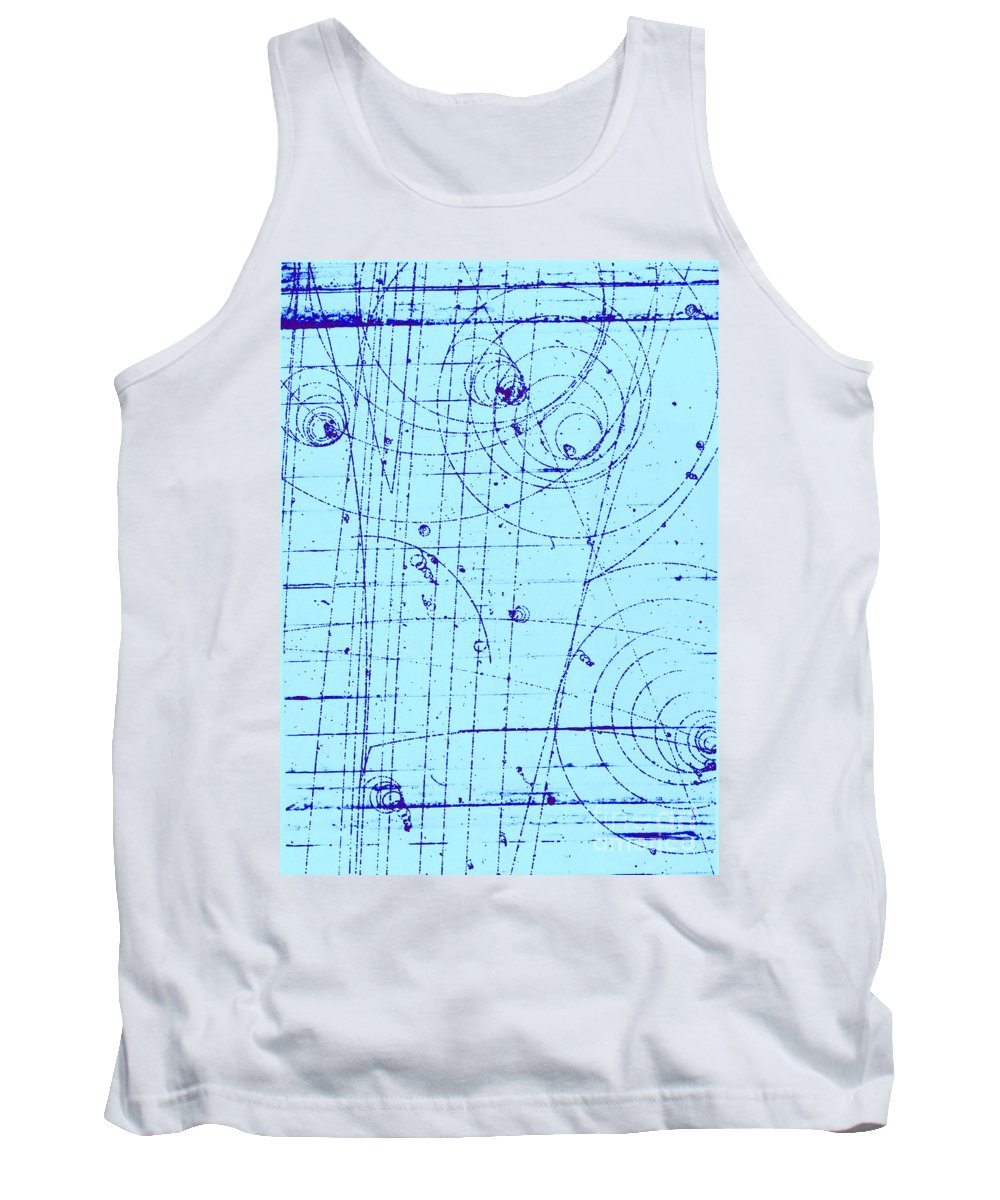 History Tank Top featuring the photograph Omega-minus Particle, First Observation by Omikron